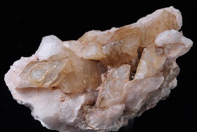 輝沸石 Heulandite 鉱物たちの庭